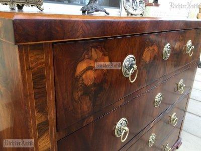 Antik bútor, Biedermeier író komód felújított.