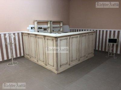 Provence bútor, antikolt üzletberendezés, eladó pult.