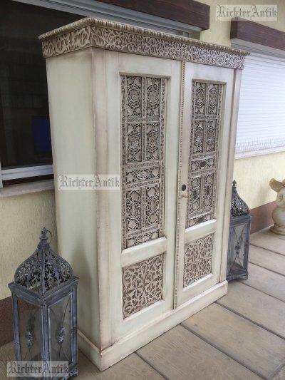 Provence bútor, antikolt szekrény 02.