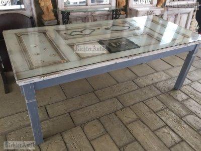 Provence bútor, antikolt design ebédlő asztal.