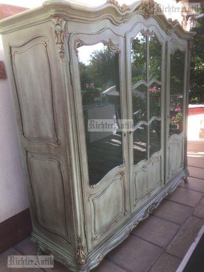 Provence bútor, antikolt, Bécsibarokk szekrény.