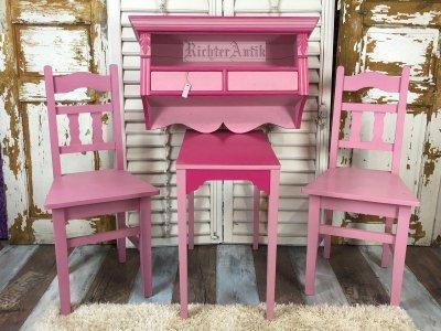 Shabby Chic, rózsaszínű antikolt asztal.