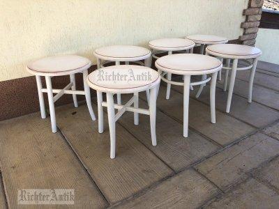 Provence bútor, antikolt dohányzó asztalok.
