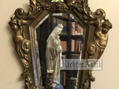 Aranyozott Barokk tükör.