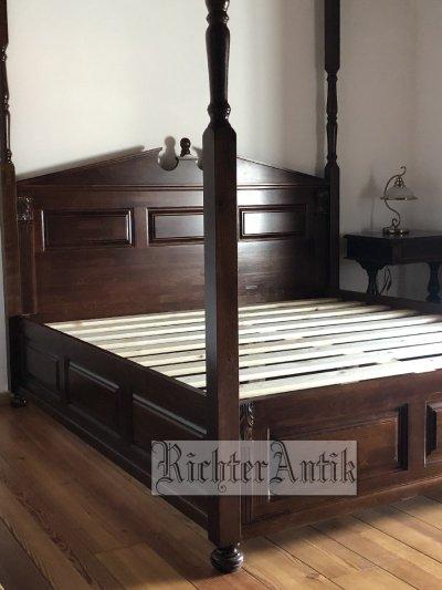 Ónémet Baldachinos ágy.