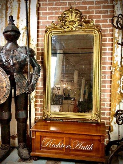 Aranyozott nagyméretű Barokk tükör.
