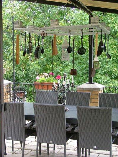 Provence bútor fehérre antikolt konyhai eszköztároló 1.